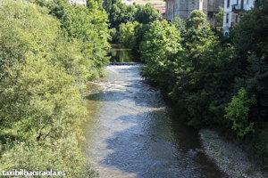 Río Ibaizabal a su paso por Amorebieta